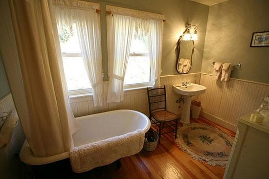 Husum Highlands Bed and Breakfast : Ashley Room bathroom