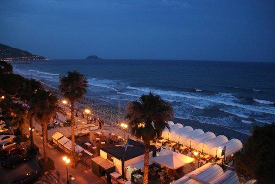 Grand Hotel Spiaggia: Вид с балкона