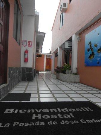 Hostal La Posada de José Carlos: Ingreso al  HOSTAL