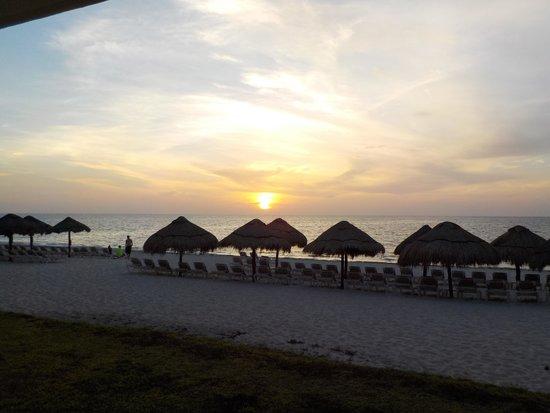 Now Sapphire Riviera Cancun : beautiful sunrises