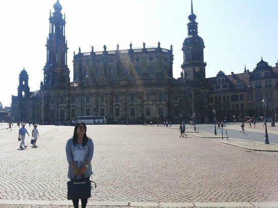 Stilbruch - Dresdens surreale Kneipe