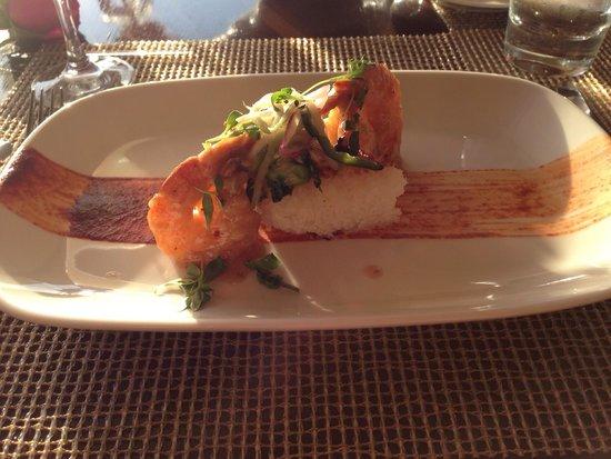 Raya at The Ritz-Carlton: Jumbo prawns with crispy rice