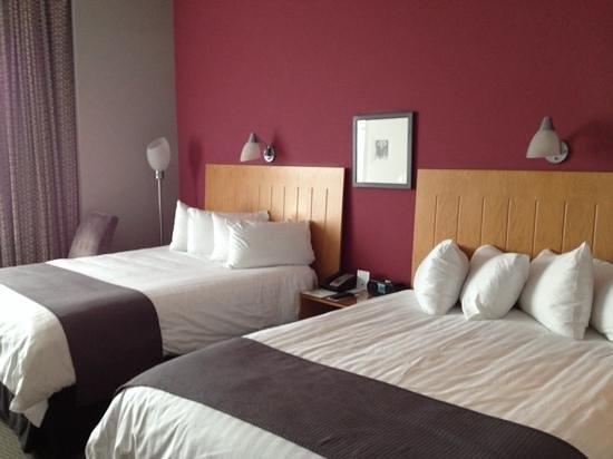 Brookstreet Hotel: Best beds in town.