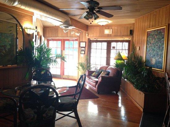 Old Tavernier Restaurant-Lounge: Restaurant Entry