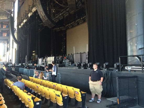 "Hollywood Casino Amphitheater: View from ""obstructed view seats"""