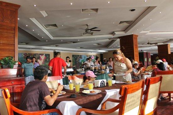 Ramada Belize City Princess Hotel: Desayuno