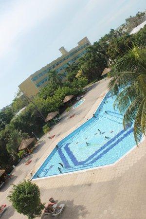 Ramada Belize City Princess Hotel: Piscina