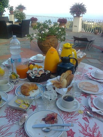 B&B Il Grappolo: splendid breakfast