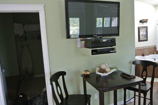 Along River Ridge: Private Table