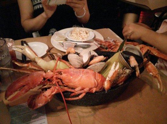 Hooper's Crab House: Bucket
