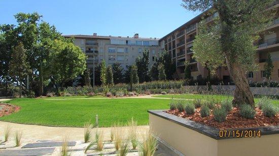 Renaissance Aix-en-Provence Hotel : Zen like garden