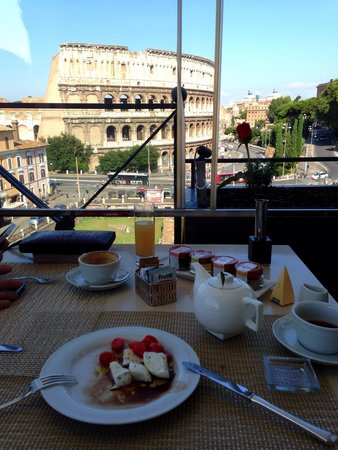 Palazzo Manfredi - Relais & Chateaux: What a view for breakfast