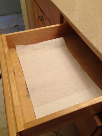 North Coast Village: Paper towel lined drawers...upscale and elegant