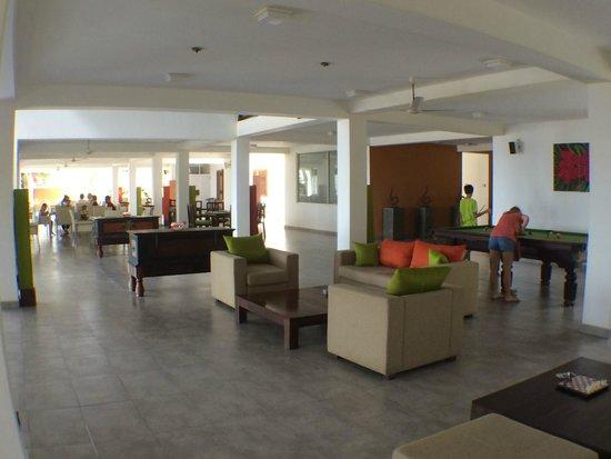 CoCo Bay Unawatuna: restaurant view