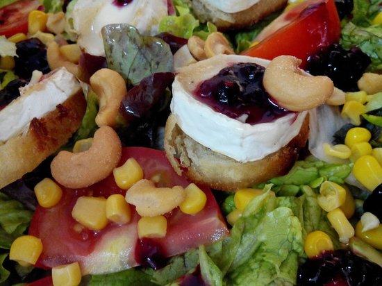 Montevideo Resto : Salade de chèvre chaude