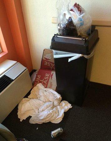 Motel 6 Denver South - South Tech Center: Trash piled in hallways at Motel 6 Denver South