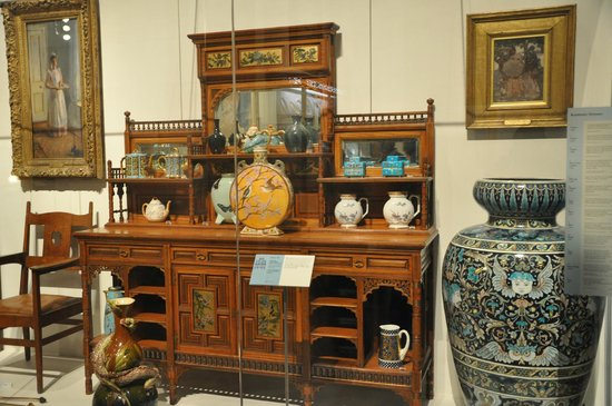 Brighton Museum and Art Gallery : Furniture collection