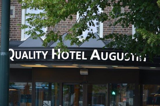 Quality Hotel Augustin: Main entrance