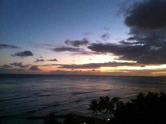 Aston Waikiki Circle Hotel : 3