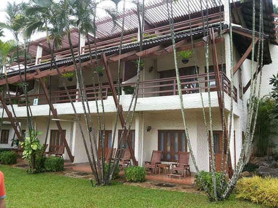 Felix River Kwai Resort - Kanchanaburi : view of rooms from the ground