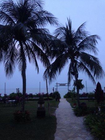 PARKROYAL Penang Resort, Malaysia: At down