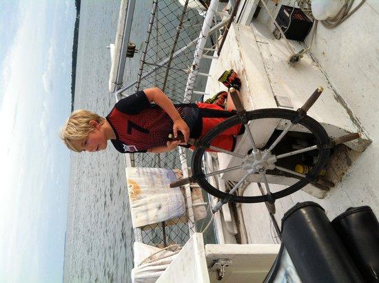 Skipjack -Rebecca T. Ruark Charter: sailing the Skipjack