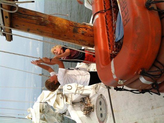 Skipjack -Rebecca T. Ruark Charter: Lifting the sails