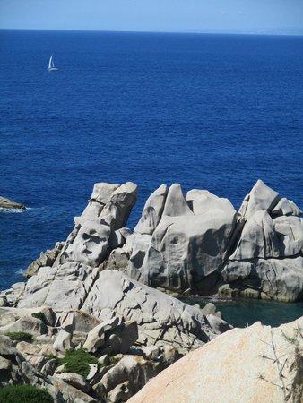 Carlos V Hotel: Rocky coast