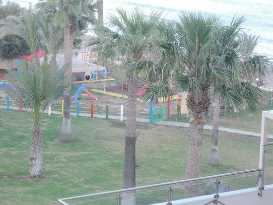 Golden Bay Beach Hotel: вид на детскую площадку из окна