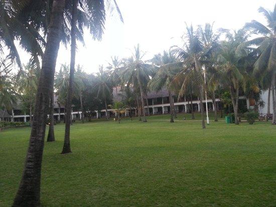 Voyager Beach Resort: Hotel Compaound