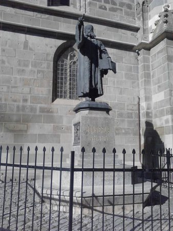 Walkabout Free Tour - Brasov: Statue
