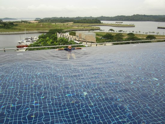 Hotel Jen Puteri Harbour, Johor: Pool