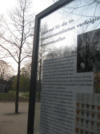 Tiergarten : Memorial to Homosexuals