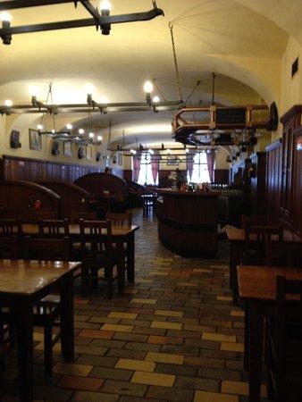Brewery Hotel U Medvidku: restaurant area