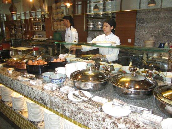 Hotel Jen Puteri Harbour, Johor: Buffet Breakfast