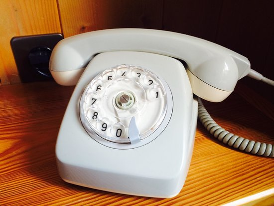 Hotel Sonne: Long time ago I saw one of these. Nope, no Facebook available :-) and it does what it needs to d