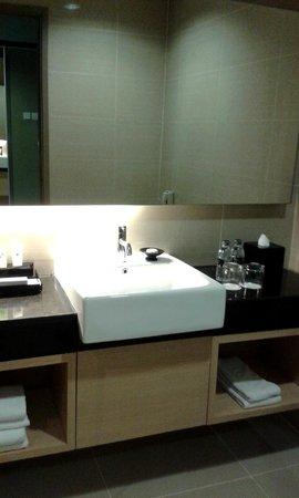Swiss-Belhotel Mangga Besar: Bathroom