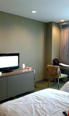 Swiss-Belhotel Mangga Besar: Bed room