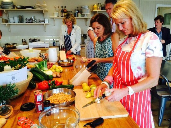 Chequers Kitchen: Family party cookery class and meal