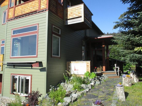 Seward Front Row B&B: Front
