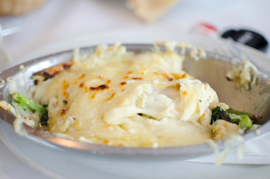 Le Petit Chateau: Casserole crepe with Chicken, Cheese