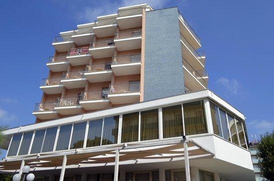 Beach Hotel Apollo : Veduta dell'Hotel