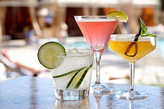 Wyndham Anaheim Garden Grove: Trinitas Bar Libations