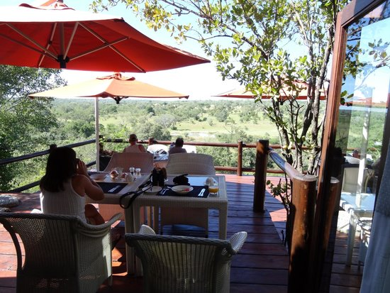 Leopard Hills Private Game Reserve: Breakfast table, what a view