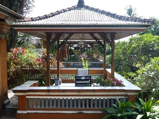 Swastika Bungalows : Perfect for reading and relaxing in the shade