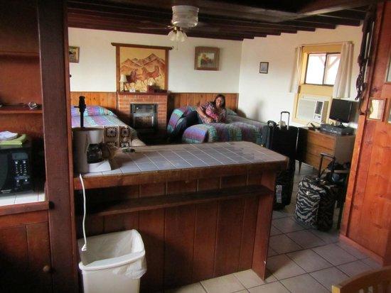 Tombstone Sagebrush Inn : Room from kitchen
