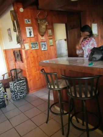 Tombstone Sagebrush Inn: Kitchen counter.