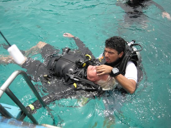Scuba Cat Diving - Soi Watanna Shop and Classrooms: my Rescue Diver Course