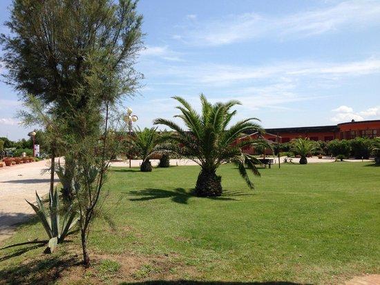 Hotel Club Resort Regina del Mare: Giardini