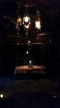 Locanda Skansen: tavolo esterno
